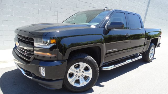 2017 Silverado 1500 Crew Cab 4x4, Pickup #T17121 - photo 10