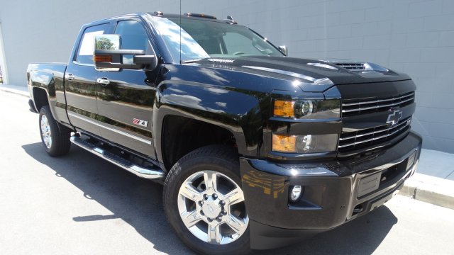 2017 Silverado 2500 Crew Cab 4x4, Pickup #T17171 - photo 9