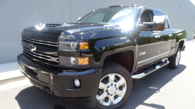 2017 Silverado 2500 Crew Cab 4x4, Pickup #T17171 - photo 10