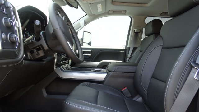 2017 Silverado 2500 Crew Cab 4x4, Pickup #T17171 - photo 15
