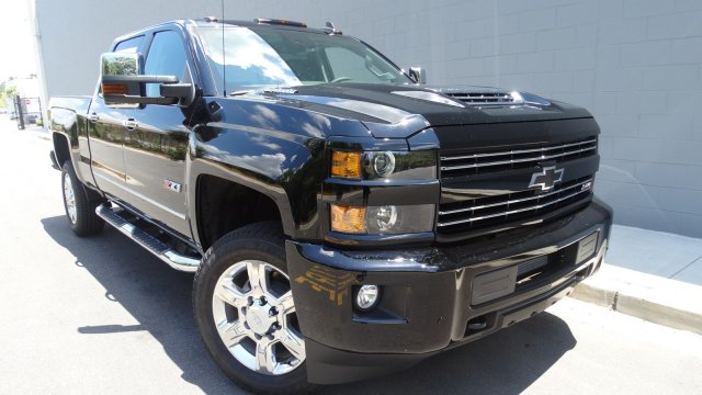 2017 Silverado 2500 Crew Cab 4x4, Pickup #T17171 - photo 3