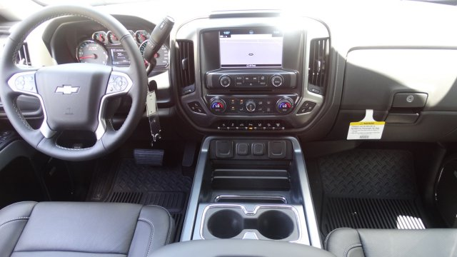 2017 Silverado 2500 Crew Cab 4x4, Pickup #T17171 - photo 30