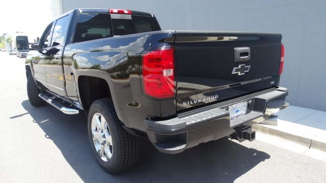 2017 Silverado 2500 Crew Cab 4x4, Pickup #T17171 - photo 6