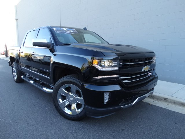 2017 Silverado 1500 Crew Cab 4x4 Pickup #T17267 - photo 3