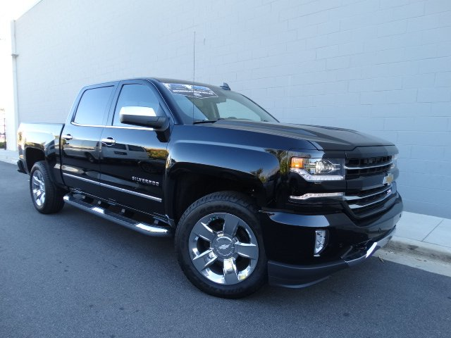 2017 Silverado 1500 Crew Cab 4x4 Pickup #T17267 - photo 9