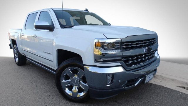 2017 Silverado 1500 Crew Cab 4x4, Pickup #T17318 - photo 3