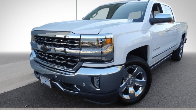 2017 Silverado 1500 Crew Cab 4x4, Pickup #T17318 - photo 5
