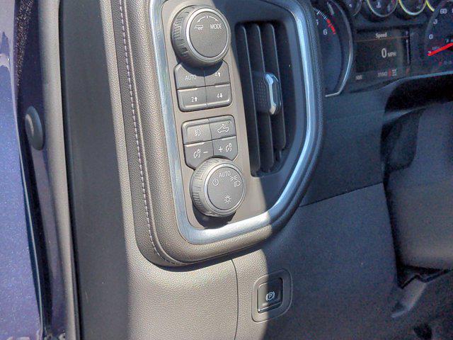 2020 Chevrolet Silverado 1500 Crew Cab 4x4, Pickup #X65866 - photo 18