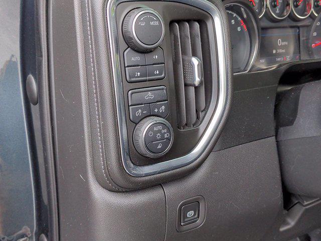 2020 Chevrolet Silverado 1500 Crew Cab 4x4, Pickup #X72676 - photo 18