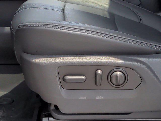 2020 Chevrolet Silverado 1500 Crew Cab 4x4, Pickup #X75328 - photo 18