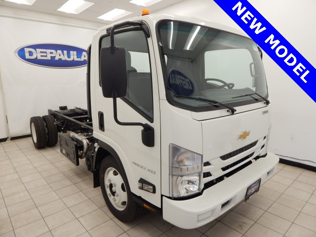 2017 Low Cab Forward Regular Cab, Cab Chassis #T14073 - photo 4
