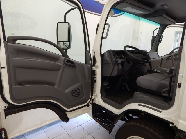 2017 Low Cab Forward Regular Cab Cab Chassis #T14073 - photo 14