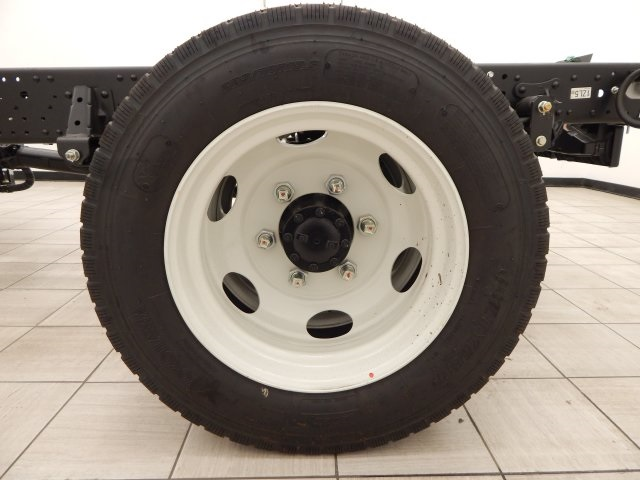 2017 Low Cab Forward Regular Cab Cab Chassis #T14073 - photo 39