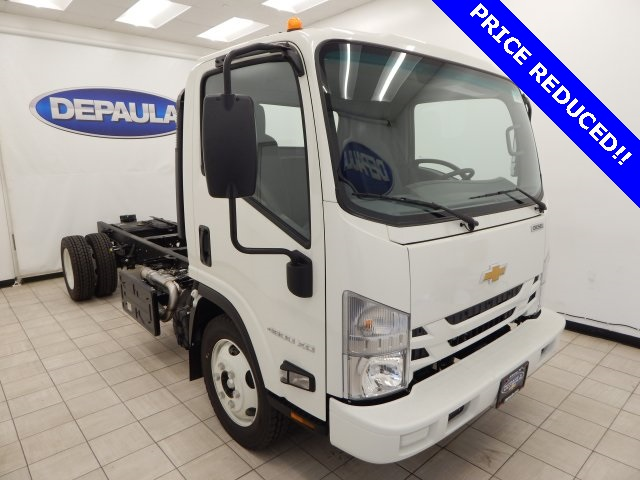 2017 Low Cab Forward Regular Cab Cab Chassis #T14073 - photo 3