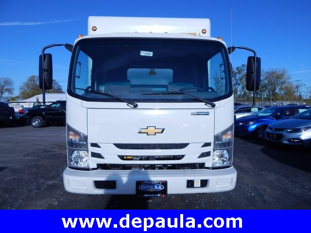 2016 Low Cab Forward Regular Cab, Dry Freight #T14405 - photo 4