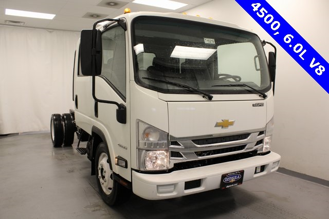 2016 Low Cab Forward Crew Cab, Cab Chassis #T15219 - photo 3