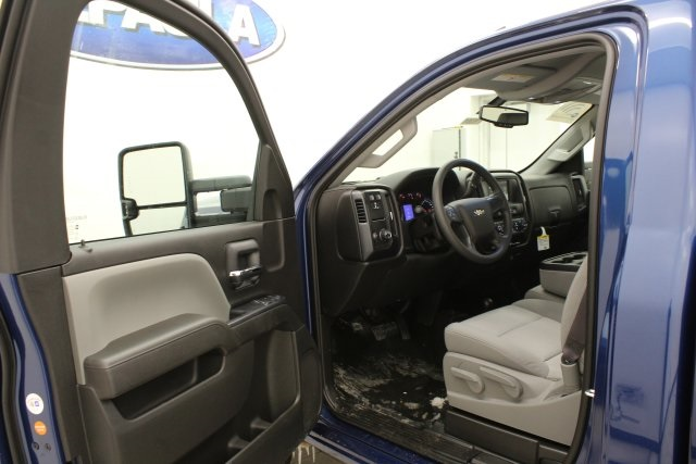2017 Silverado 2500 Regular Cab 4x4, Pickup #T15391 - photo 10
