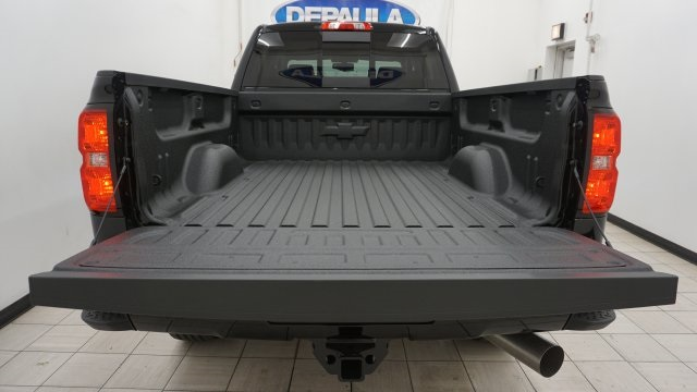 2018 Silverado 2500 Crew Cab 4x4 Pickup #T16720 - photo 10