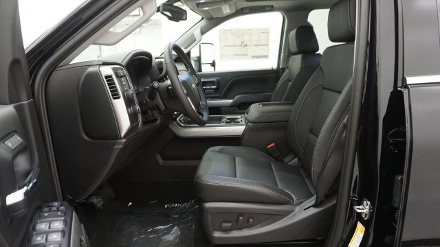 2018 Silverado 2500 Crew Cab 4x4 Pickup #T16720 - photo 14