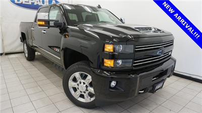 2018 Silverado 2500 Crew Cab 4x4 Pickup #T16720 - photo 3