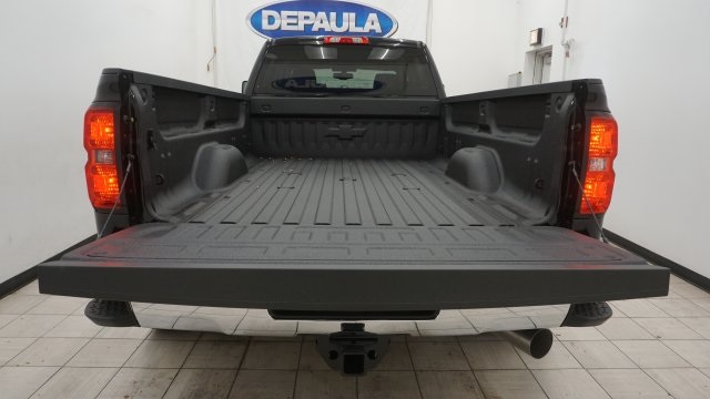 2018 Silverado 3500 Crew Cab 4x4 Pickup #T16778 - photo 11