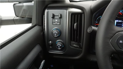 2018 Silverado 3500 Crew Cab 4x4 Pickup #T16778 - photo 17