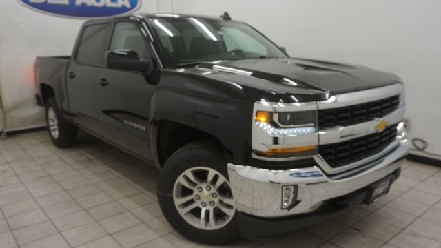 2018 Silverado 1500 Crew Cab 4x4 Pickup #T16885 - photo 3