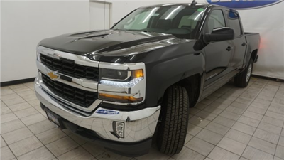 2018 Silverado 1500 Crew Cab 4x4 Pickup #T16885 - photo 1