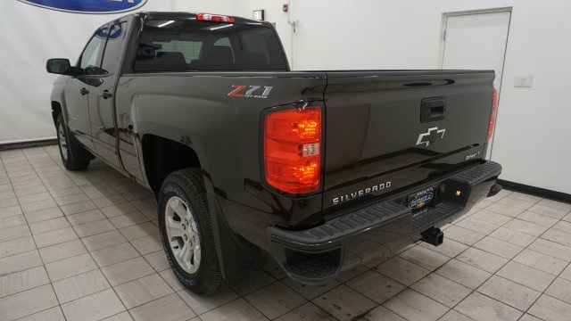 2018 Silverado 1500 Extended Cab 4x4 Pickup #T17000 - photo 2