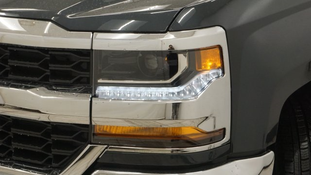 2018 Silverado 1500 Extended Cab 4x4 Pickup #T17101 - photo 5