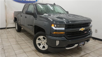 2018 Silverado 1500 Extended Cab 4x4 Pickup #T17245 - photo 3