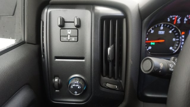 2018 Silverado 2500 Regular Cab 4x4, Pickup #T17311 - photo 20