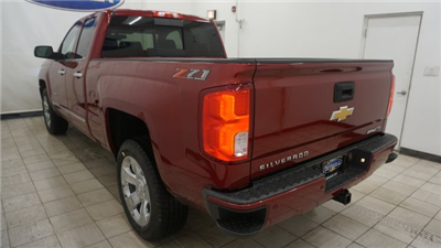 2018 Silverado 1500 Double Cab 4x4, Pickup #T17337 - photo 2