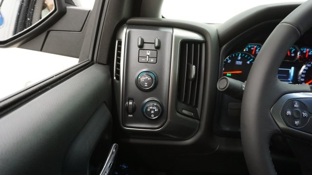 2018 Silverado 1500 Double Cab 4x4, Pickup #T17357 - photo 15
