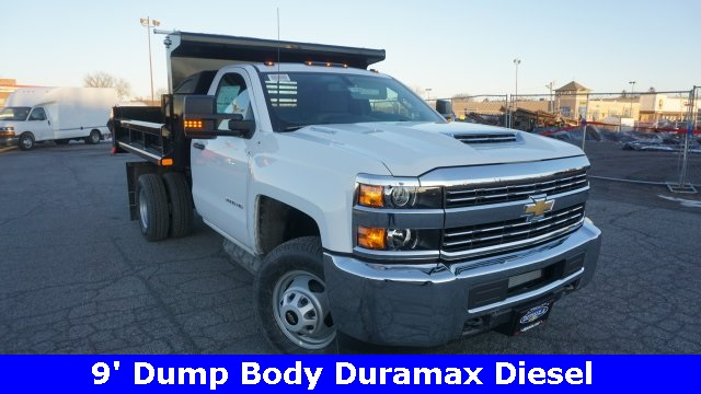 2018 Silverado 3500 Regular Cab DRW 4x4, Dump Body #T17362 - photo 3