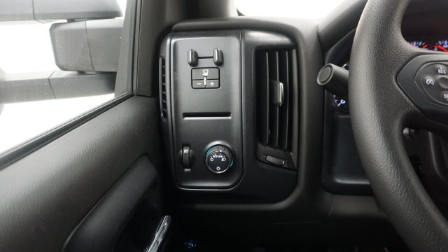 2018 Silverado 3500 Regular Cab 4x4, Service Body #T17498 - photo 14