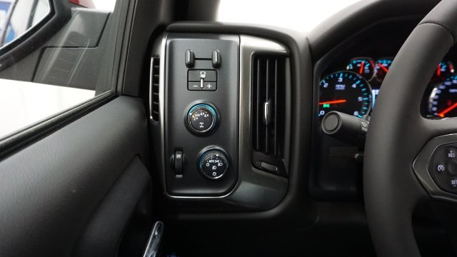 2018 Silverado 1500 Double Cab 4x4, Pickup #T17758 - photo 18