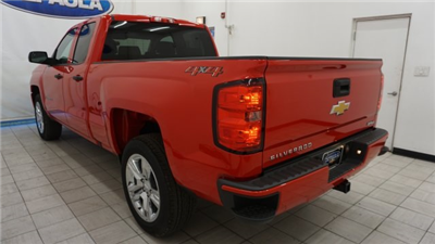 2018 Silverado 1500 Double Cab 4x4,  Pickup #T18457 - photo 2