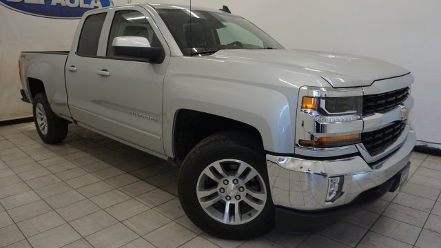 2018 Silverado 1500 Double Cab 4x4,  Pickup #T18562 - photo 3