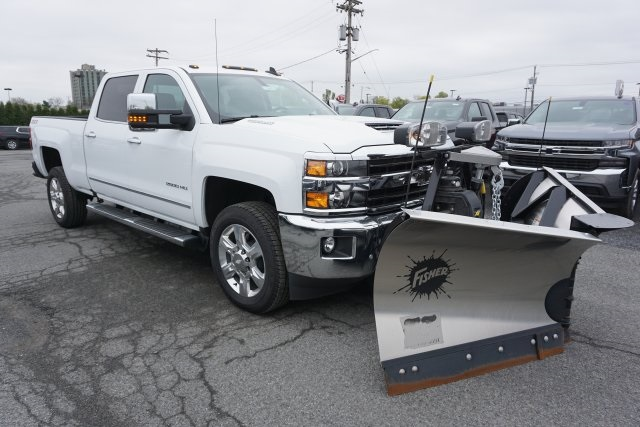 2019 Silverado 2500 Crew Cab 4x4,  Fisher Snowplow Pickup #T18965 - photo 4