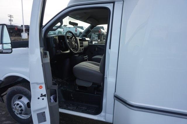 2019 Express 4500 4x2, Unicell Aerocell Cutaway Van #T22141 - photo 7