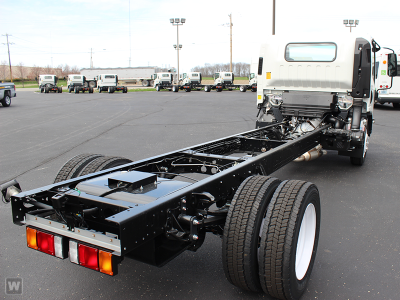 2015 NPR-HD Regular Cab Cab Chassis #1002 - photo 4