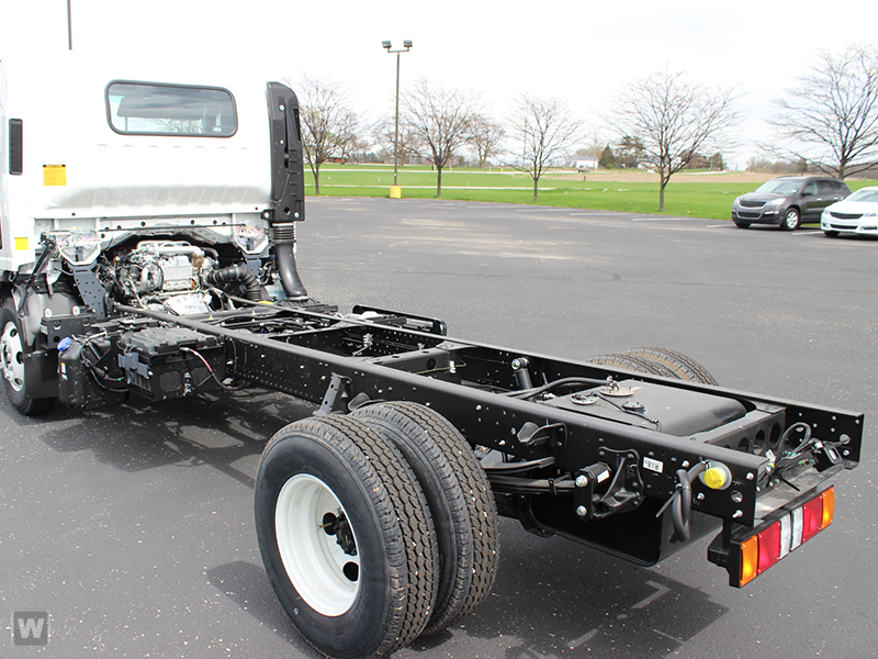 2014 NPR ECO-MAX Regular Cab Cab Chassis #1003 - photo 2