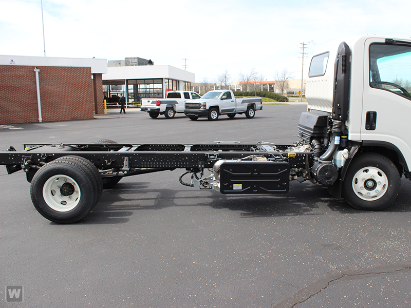 2015 NPR-HD Regular Cab Cab Chassis #1004 - photo 2