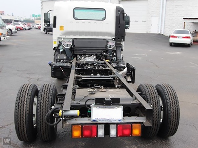 2015 NPR-HD Regular Cab Cab Chassis #1007 - photo 2