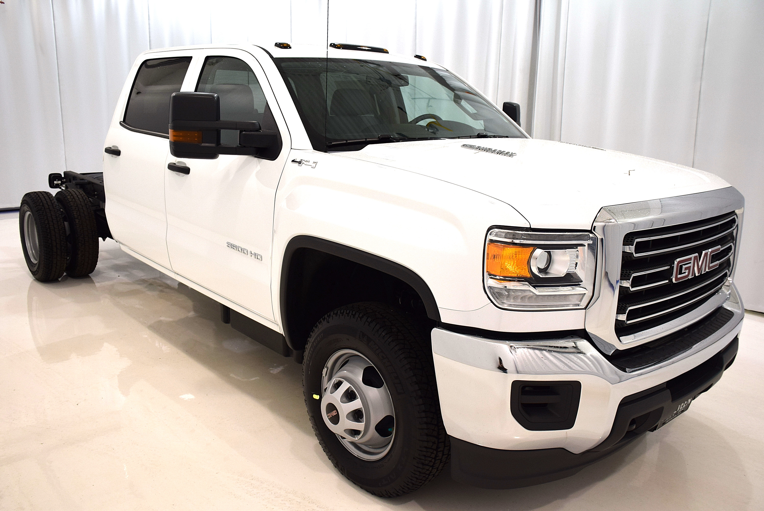 2016 Sierra 3500 Crew Cab 4x4, Cab Chassis #63326 - photo 4