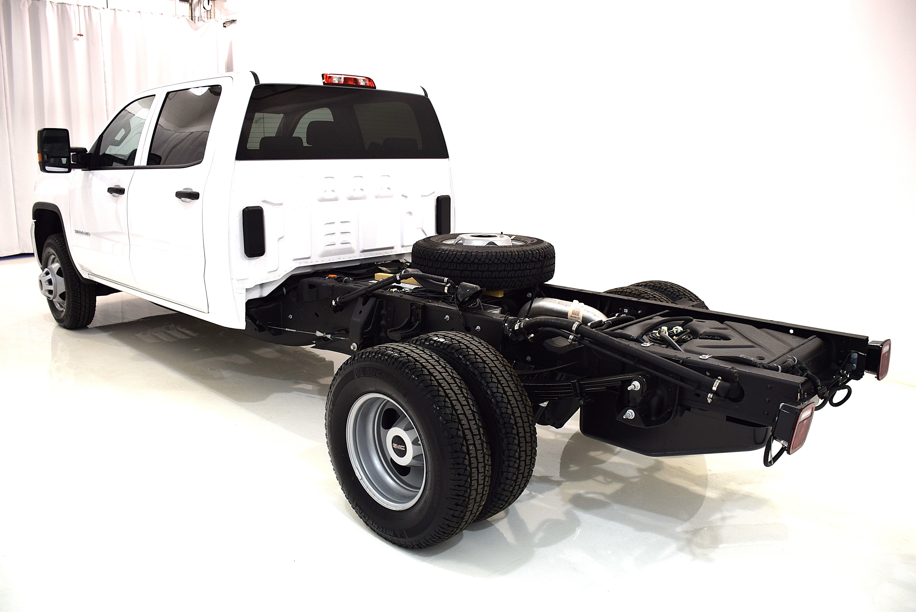 2016 Sierra 3500 Crew Cab 4x4, Cab Chassis #63326 - photo 9