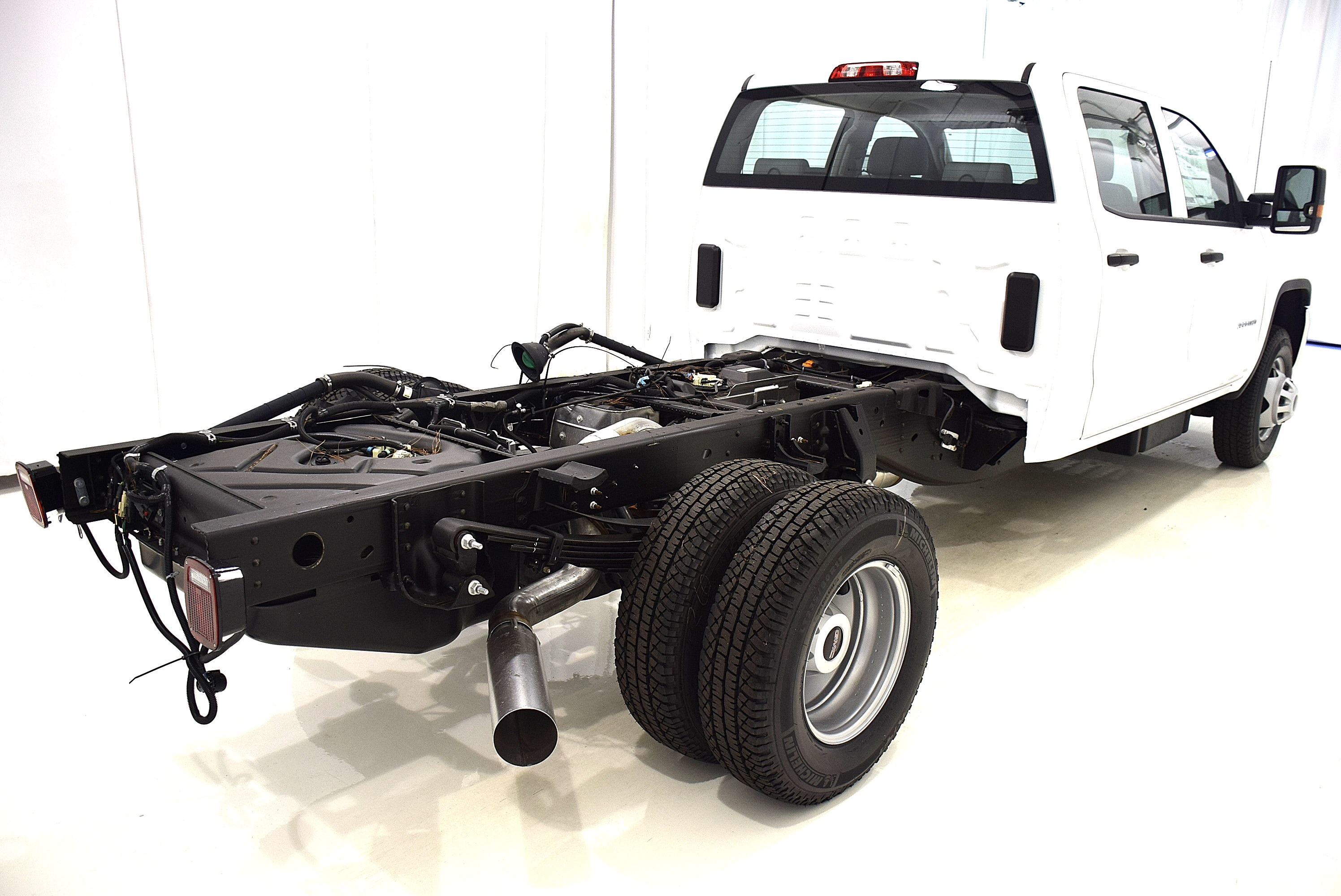 2016 Sierra 3500 Crew Cab 4x4, Cab Chassis #63620 - photo 7