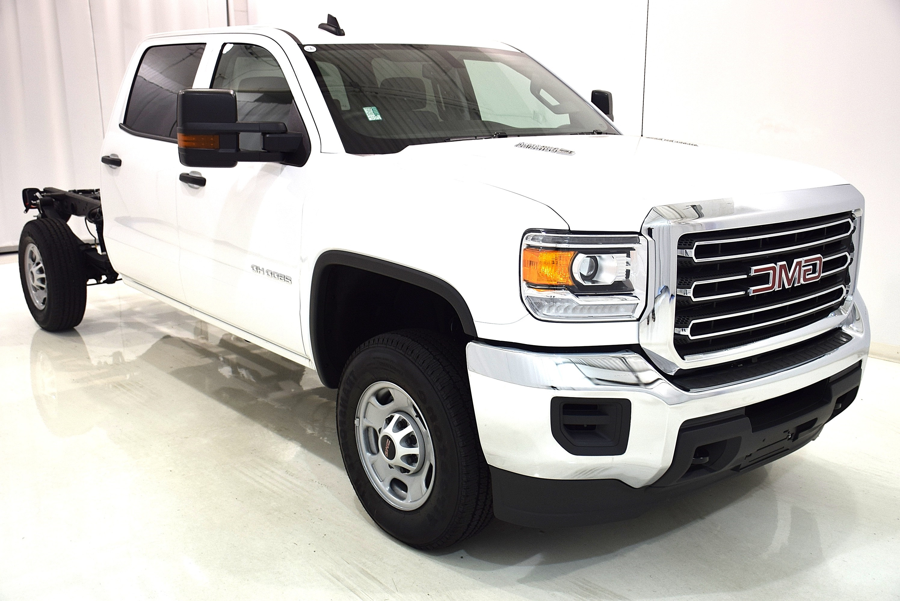 2016 Sierra 2500 Crew Cab, Cab Chassis #63694 - photo 3