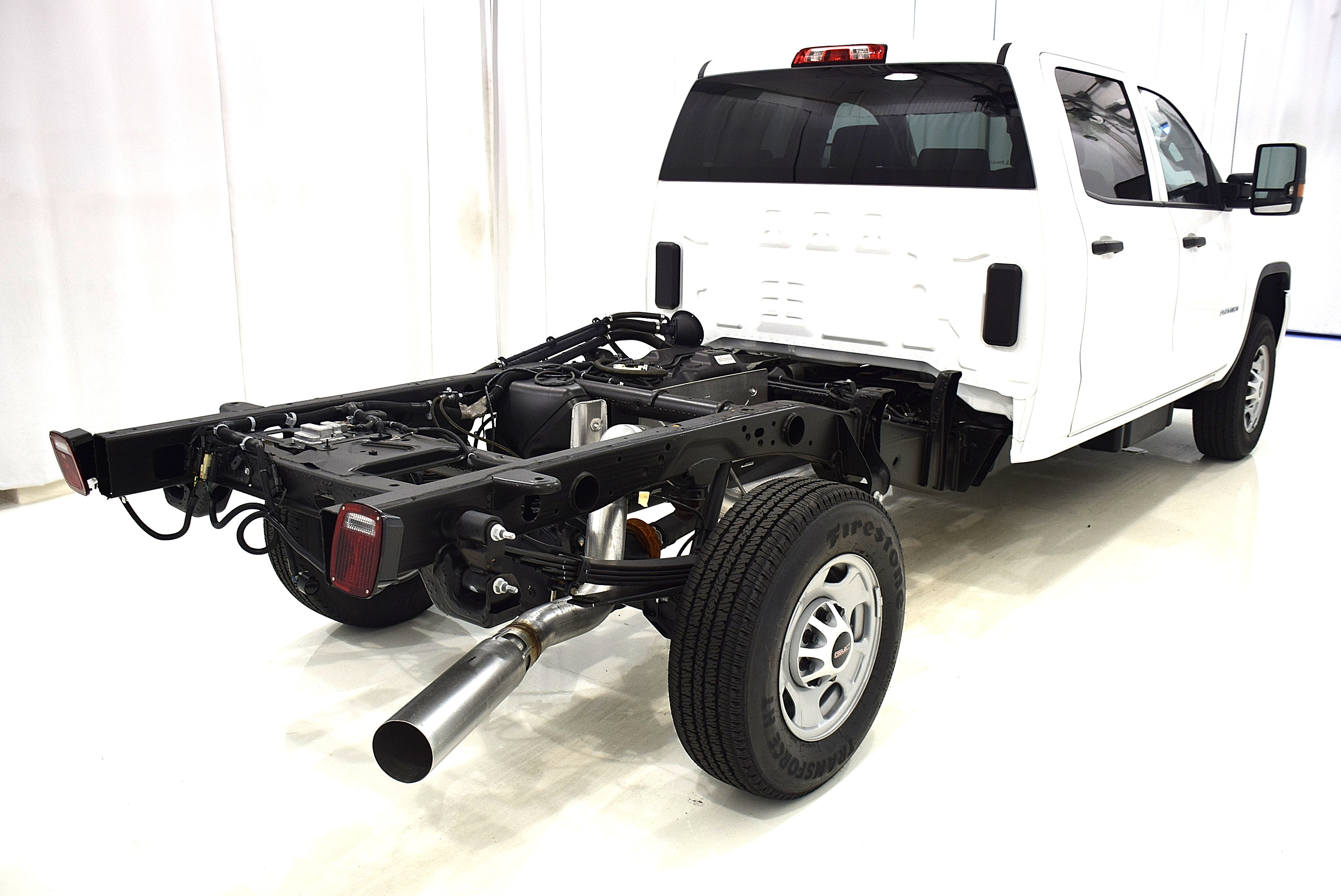 2016 Sierra 2500 Crew Cab, Cab Chassis #63694 - photo 7